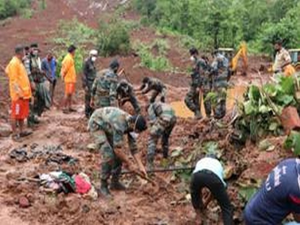 Visual of Indian Army carrying out rescue operations in Maharashtra (Photo/ANI)
