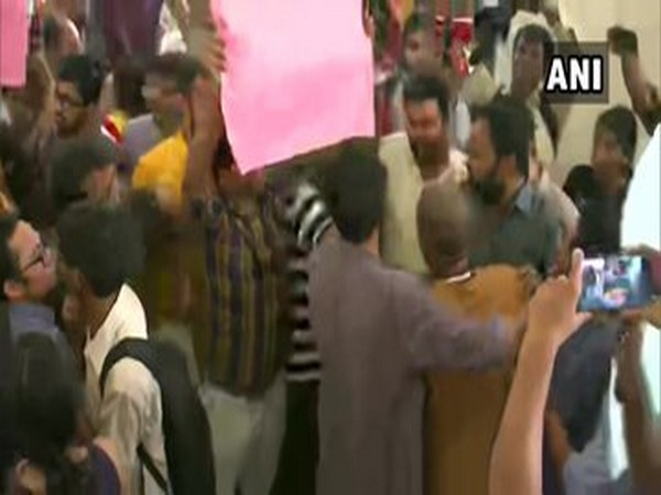 Scuffle broke out between two groups in JNU over seminar on Article 370