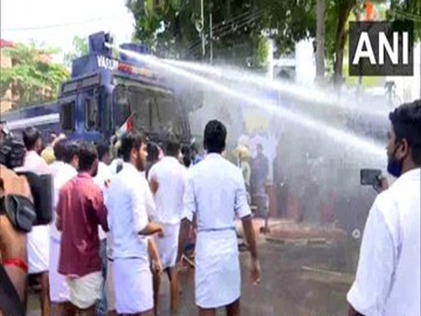 Police use water cannon, teargas and grenade on Youth Congress workers