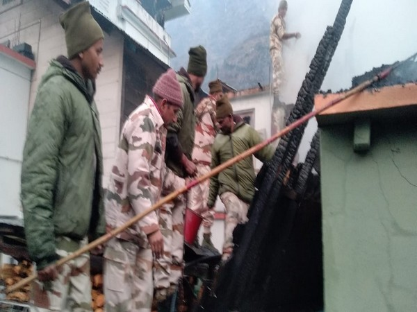 ITBP personnel making rescue efforts. (ANI)