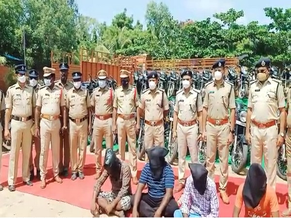 Andhra Pradesh police team along with accused persons (Photo/ANI)