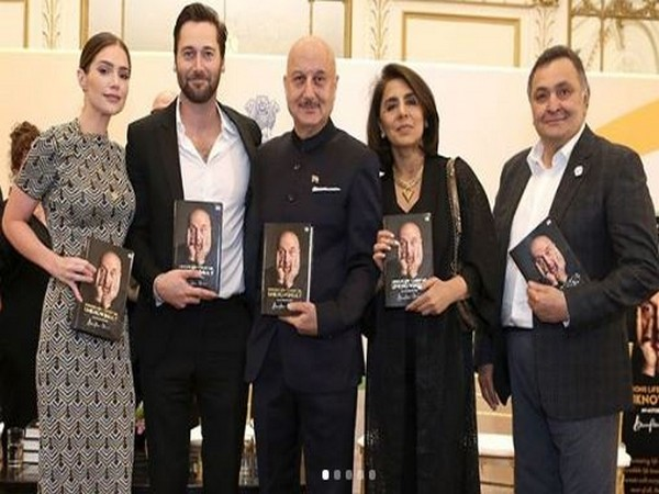 Anupam Kher, Neetu Kapoor and Rishi Kapoor, Picture courtesy: Instagram