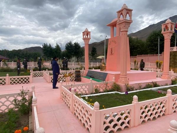 Visial of MoS Ajay Bhatt at Kargil War Memorial in Ladakh (Photo/ANI)