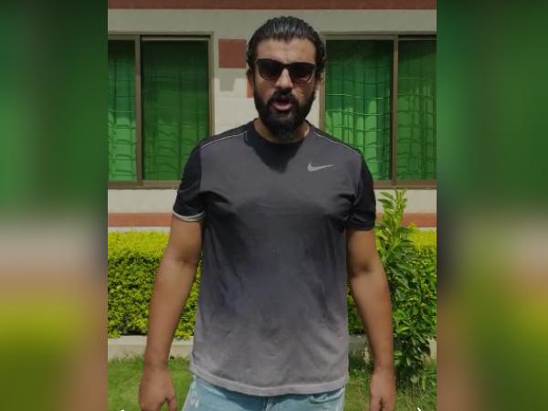 Adil Taj, MS Dhoni fan from Pakistan