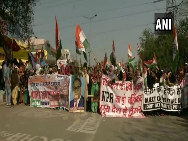 Shaheen Bagh protesters marching to meet Amit Shah on Sunday.