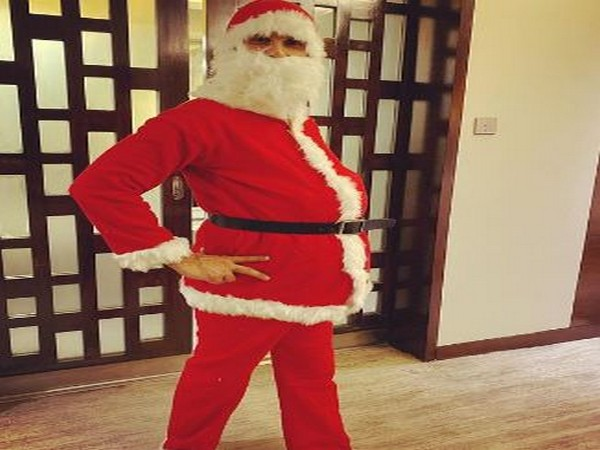 Shahid Kapoor turns Santa this Christmas (Image Source: Instagram)