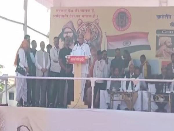 Sharad Pawar in Indore on Sunday. Photo/ANI