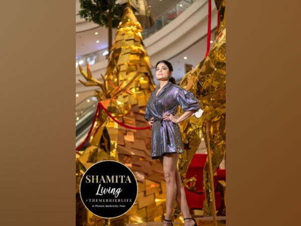 Shamita Shetty spotted enjoying The Midas Christmas @ Phoenix Marketcity, Pune
