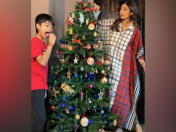 Actor Shilpa Shetty with son Viaan (Image Source: Instagram)