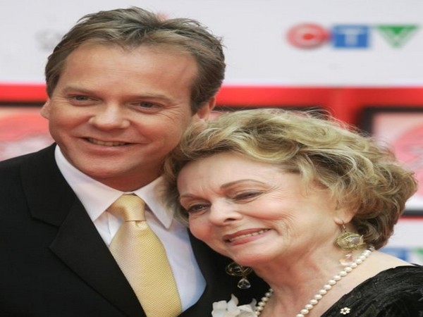 Mother Shirley Douglas with son-actor Kiefer Sutherland