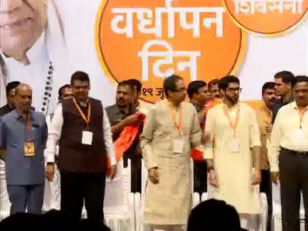 CM Devendra Fadnavis, Shiv Sena chief Uddhav Thackeray and other leaders at the meeting in Maharashtra on Wednesday. Photo/ANI