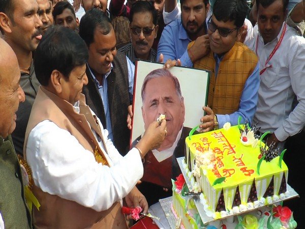 Pragatisheel Samajwadi Party (Lohiya) chief Shivpal Singh Yadav cutting cake for brother Mulayam Singh Yadav's birthday in Etawah.