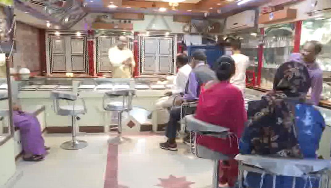 Navatran Jewellers and Brothers shop in Patna. Photo/ANI