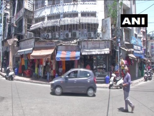 Shops will remain open between 9 am to 5 pm in the fourth phase of lockdown in Jammu. Photo/ANI