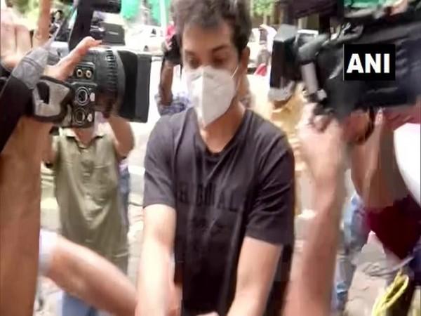 Actor Rhea Chakraborty's brother Showik Chakraborty (in black t-shirt) (File photo)