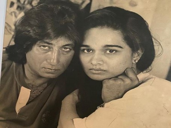 Shakti Kapoor with wife Shivangi Kolhapure. (Picture Courtesy: Instgram)