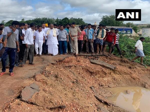 Congress leader and Karnataka's former Chief Minister Siddaramaiah visited flood-affected areas near Badami today.