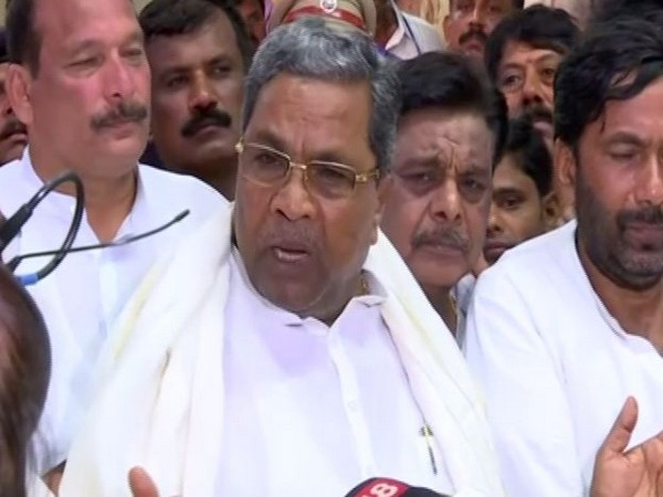 Siddaramaiah talking to media persons at Bengaluru on Wednesday