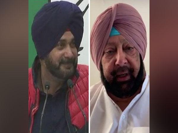 Congress leader Navjot Singh Sidhu (left) and Punjab Chief Minister Captain Amarinder Singh