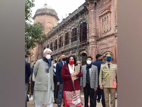 Lieutenant Governor Manoj Sinha on Monday visited the Mubarak Mandi complex on Monday in Jammu