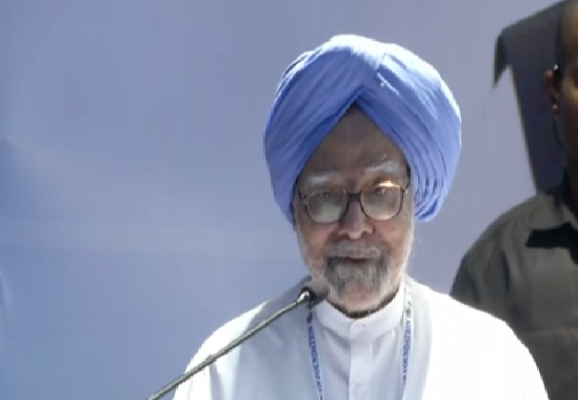 Former Prime Minister Manmohan Singh speaking at an event to mark the 75th birth anniversary of Rajiv Gandhi in New Delhi on Tuesday.