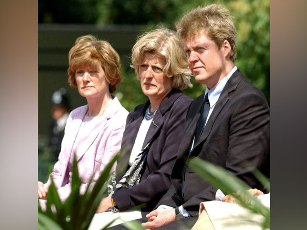 Lady Sarah McCorquodale, Lady Jane Fellowes and Earl Spencer