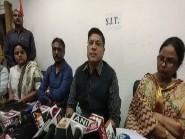 SIT Chief Naveen Arora addressing press conference at Shahjahanpur