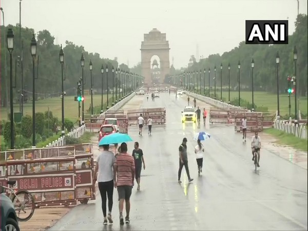 Visual from Delhi's Vijay Chowk on Sunday morning. [Photo/ANI]
