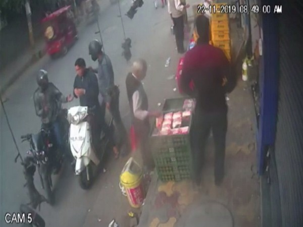 The duo robbed a man at gunpoint in Yamuna Nagar. Photo/ANI