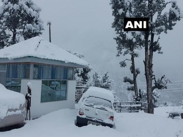 Himachal Pradesh: Reckong Peo in Kinnaur district receives snowfall [Photo/ANI]