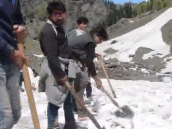 Snow-clearance is in full swing ahead of Amarnath Yatra on Pahalgam side