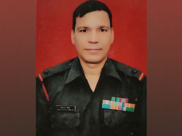 Indian Army Subedar Swatantra Singh (Picture source: Twitter/Trivendra Singh Rawat)