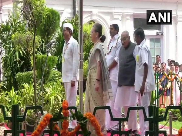 Interim Congress President Sonia Gandhi hoisted national flag at the party office on Thursday. Photo/ANI