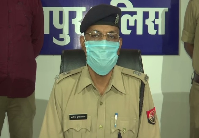 Superintendent of Police (SP) Arvind Kumar Pandey speaking to media on Wednesday.