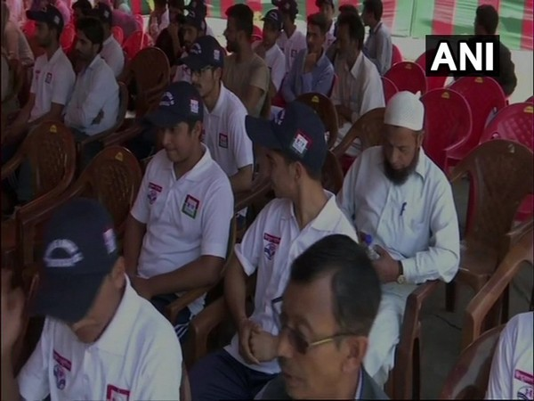 Classes under Army's Super-30 mission began in Kashmir on Thursday. Photo/ANI