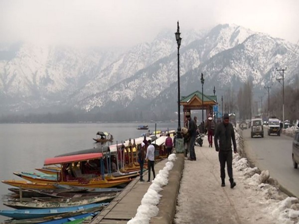 Tourist influx has increased after snowfall in the valley (Photo/ANI)