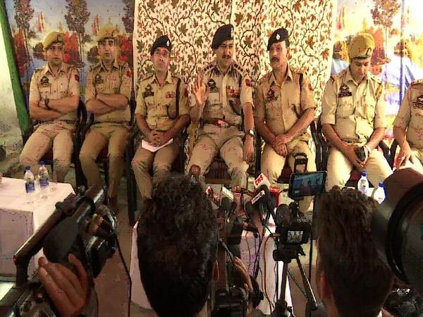 SSP Haseeb Mughal addressing reporters in Srinagar on Saturday. Photo/ANI
