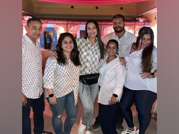 Sonakshi Sinha with her team after wrapping up Amazon's untitled series (Image Source: Instagram)