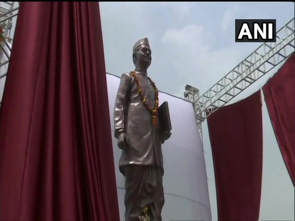 former Prime Minister Lal Bahadur Shastri's statue was inaugurated by Prime Minister Narendra Modi at Varanasi airport on Saturday. Photo/ANI