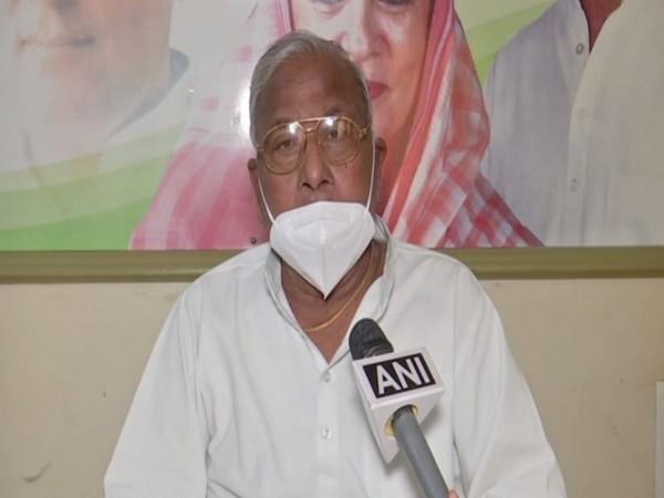 Congress leader V Hanumantha Rao (Photo/ANI)