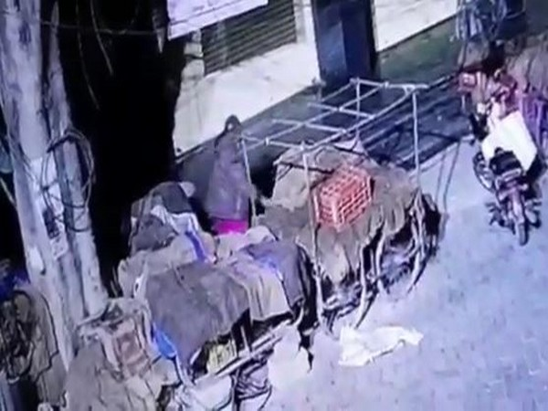 20 kgs of onions stolen in Hyderabad. Photo/ANI