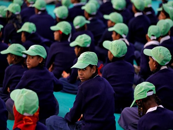 The original draft education policy made the students of non-Hindi speaking states to learn Hindi (Photo/Reuters)