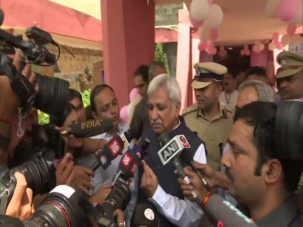 Chief election Commissioner Sunil Arora talking to media after casting vote in New Delhi on Sunday Photo/ANI.