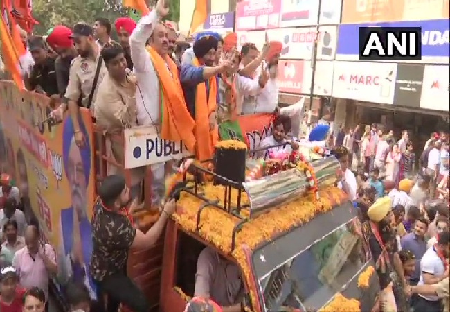 BJP candidate Sunny Deol during a roadshow in Amritsar, Punjab on Thursday Photo/ANI.