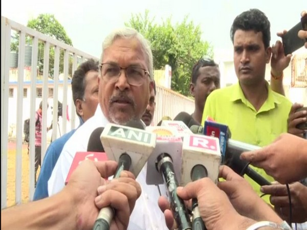 Surendranath Singh speaking to reporters in Bhopal on Tuesday. Photo/ANI