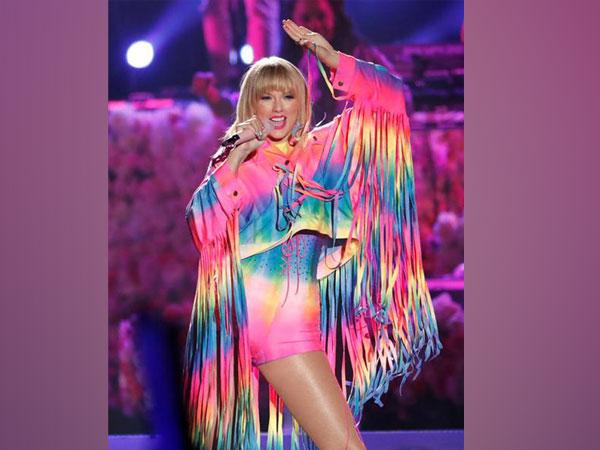 Taylor Swift at the iHeart Radio Wango Tango concert