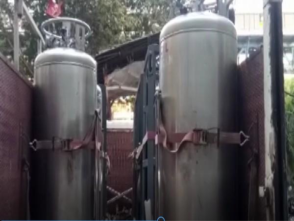Fresh stock of oxygen reaches Mumbai hospital on time (Photo/ANI)