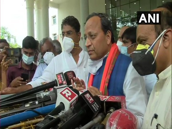 Karnataka BJP-in-charge Arun Singh (Photo/ANI)