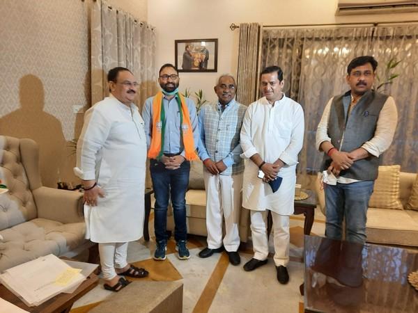 Uttarakhand MLA Pritam Singh Panwar meets BJP chief JP Nadda (Photo/ANI)