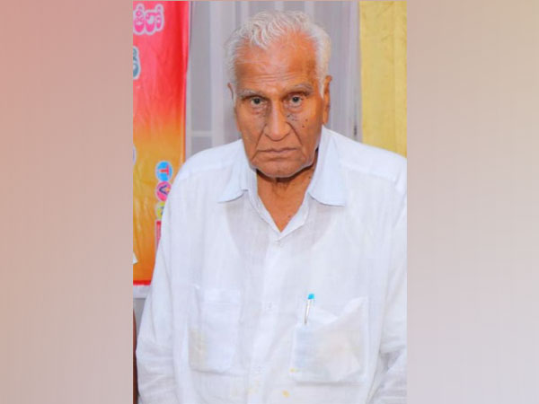 TDP leader Mallela Ananta Padmanabha Rao passed away in early hours of Wednesday morning after a prolonged illness.